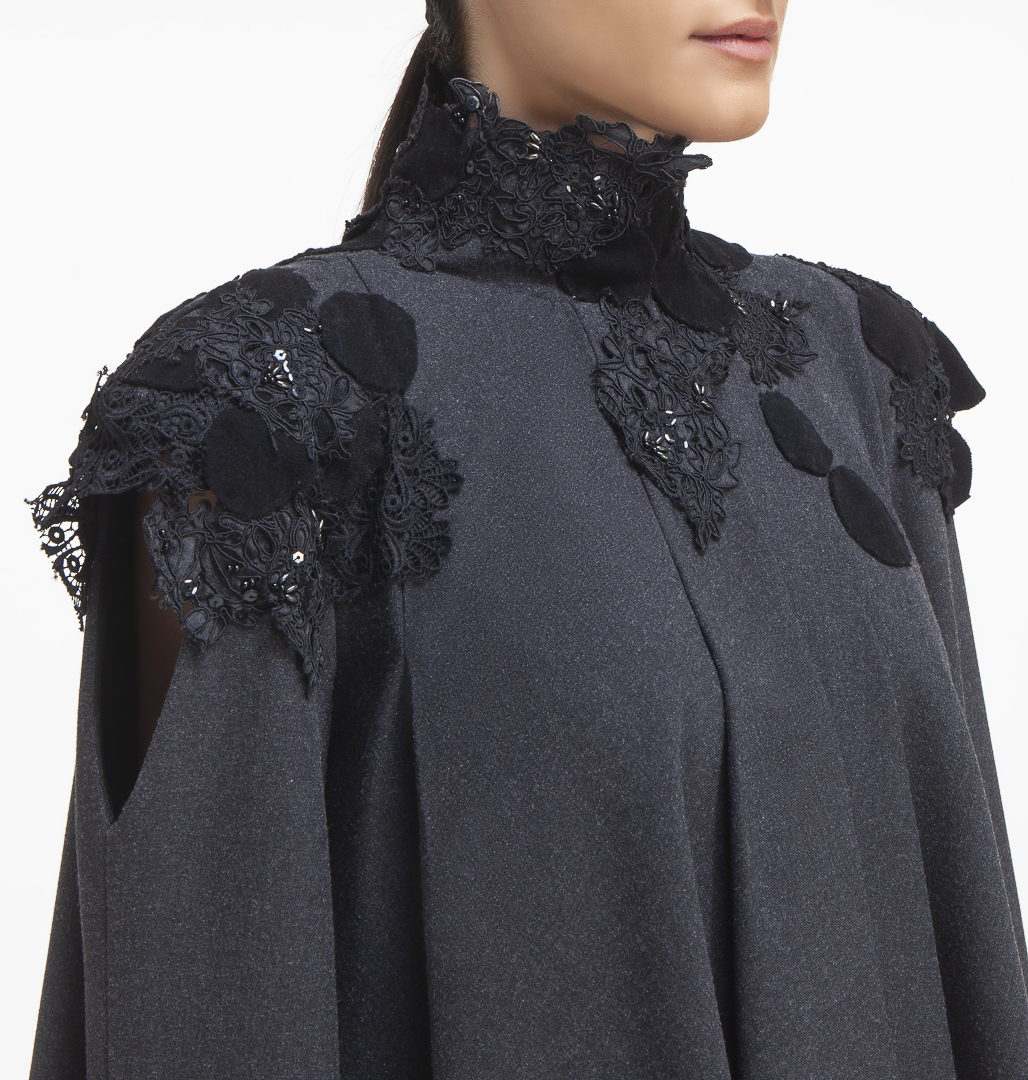 Jacket with Details of lace and felt
